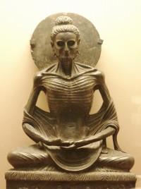 s-ラホール博物館所蔵の釈迦苦行像(断食するシッダールタ)